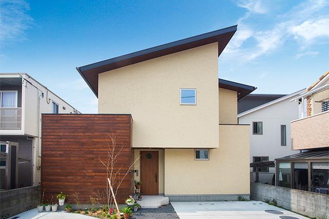 自然素材のモダンな家